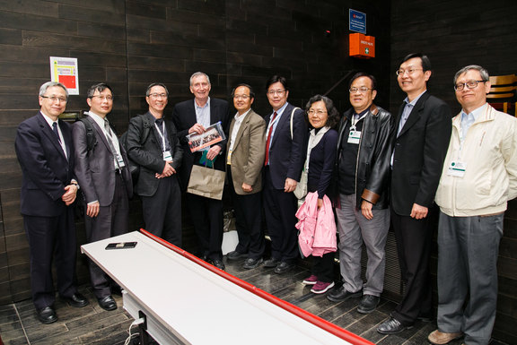 Some of the many representatives of the Taiwanese HPH Network together with Jürgen M. Pelikan.
