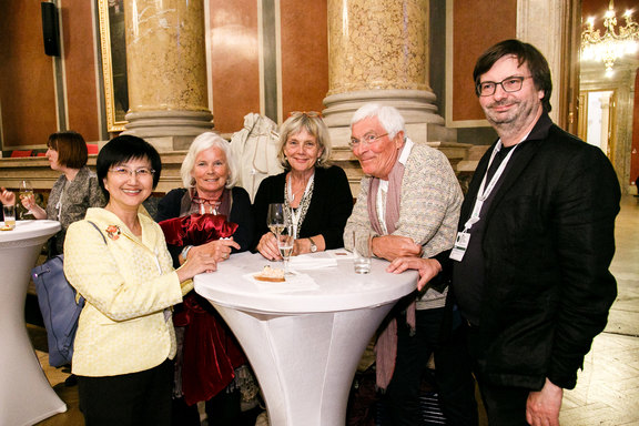 Shu-Ti Chiou, Brigitte Hüllemann, Margareta Kristenson, Klaus-Diethart Hüllemann and Rainer Paul enjoying the reception.