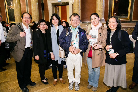 A group from Taiwan feels comfortable in Vienna.